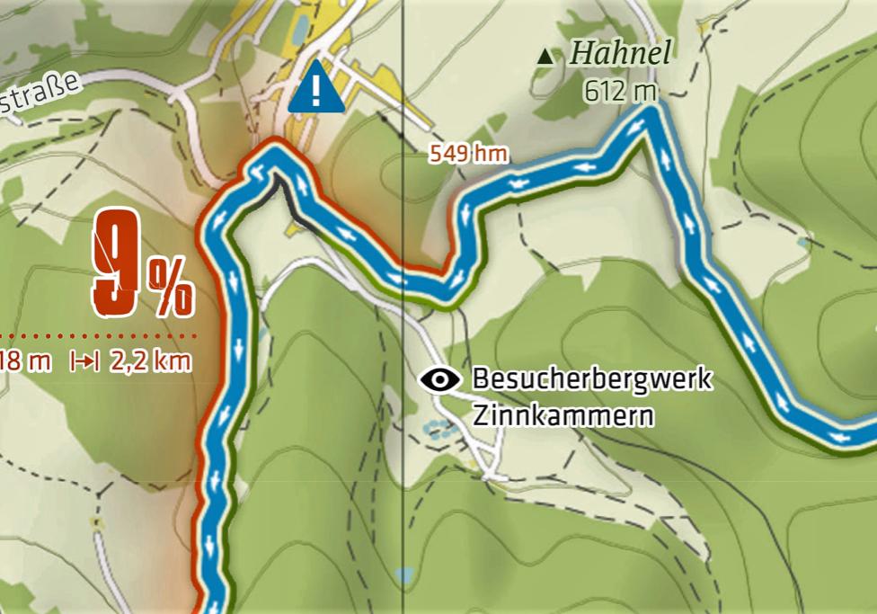 Achtung: die steile Abfahrt mündet in eine Hauptstraße!